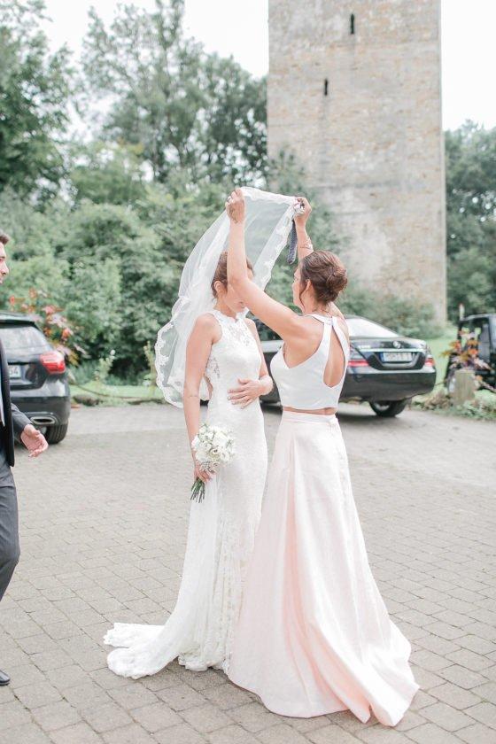 Romantische Vintage Hochzeit im Peerd Hus Hofcafe. Alice und Jan heiraten im Vintage Stil. Deutsch italienische Hochzeit in Salzgitter.