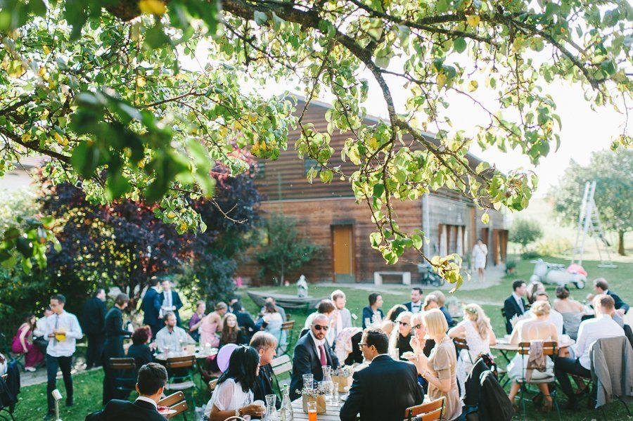 ocation Hochzeit Scheune im Sommer