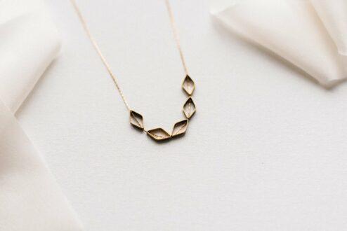 Halskette Geometric