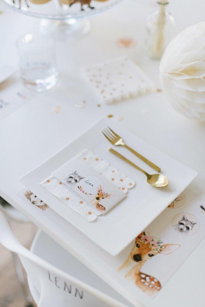 Kindergeburtstag gedeckter Tisch