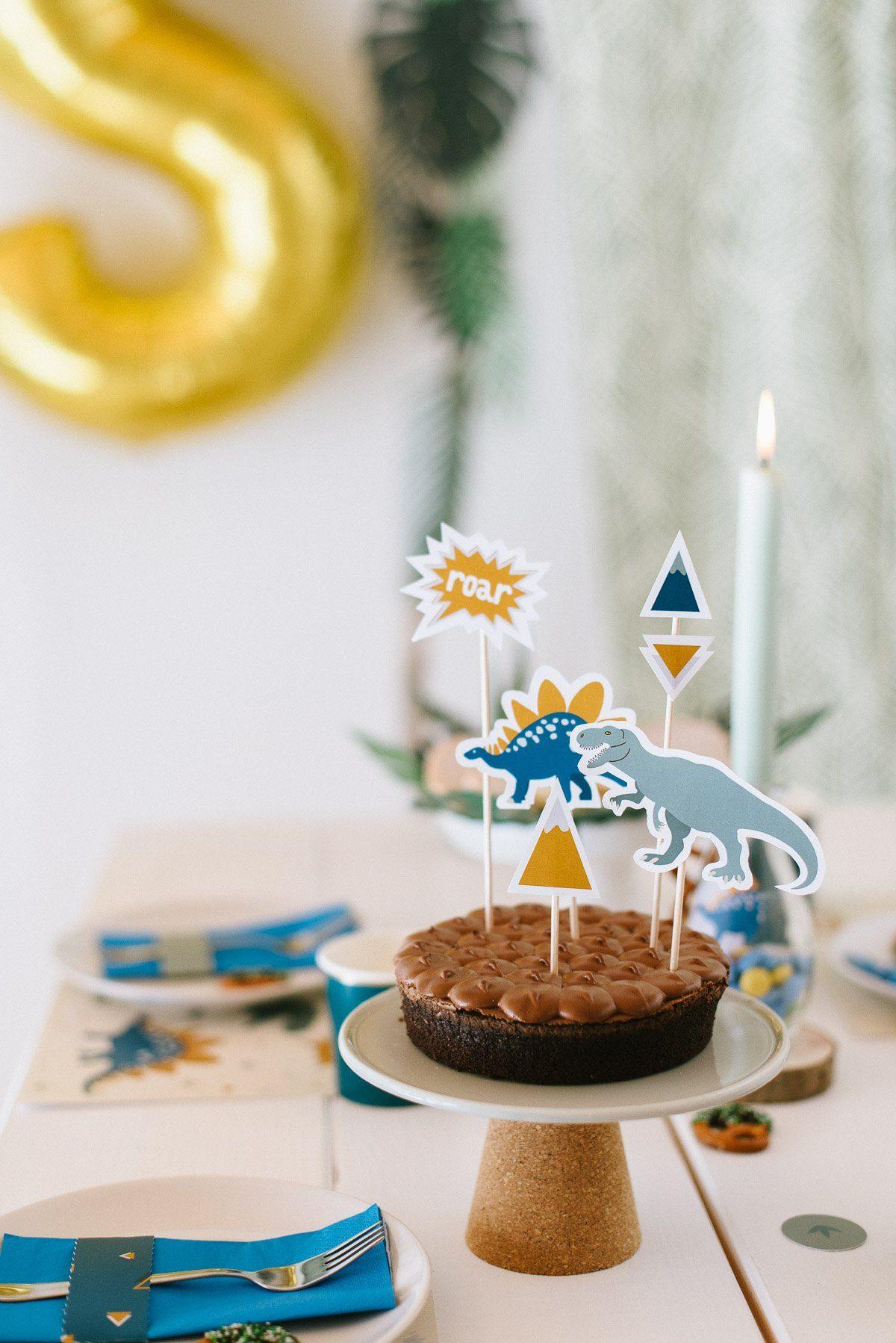 Kuchen und Kekse Dino Geburtstag