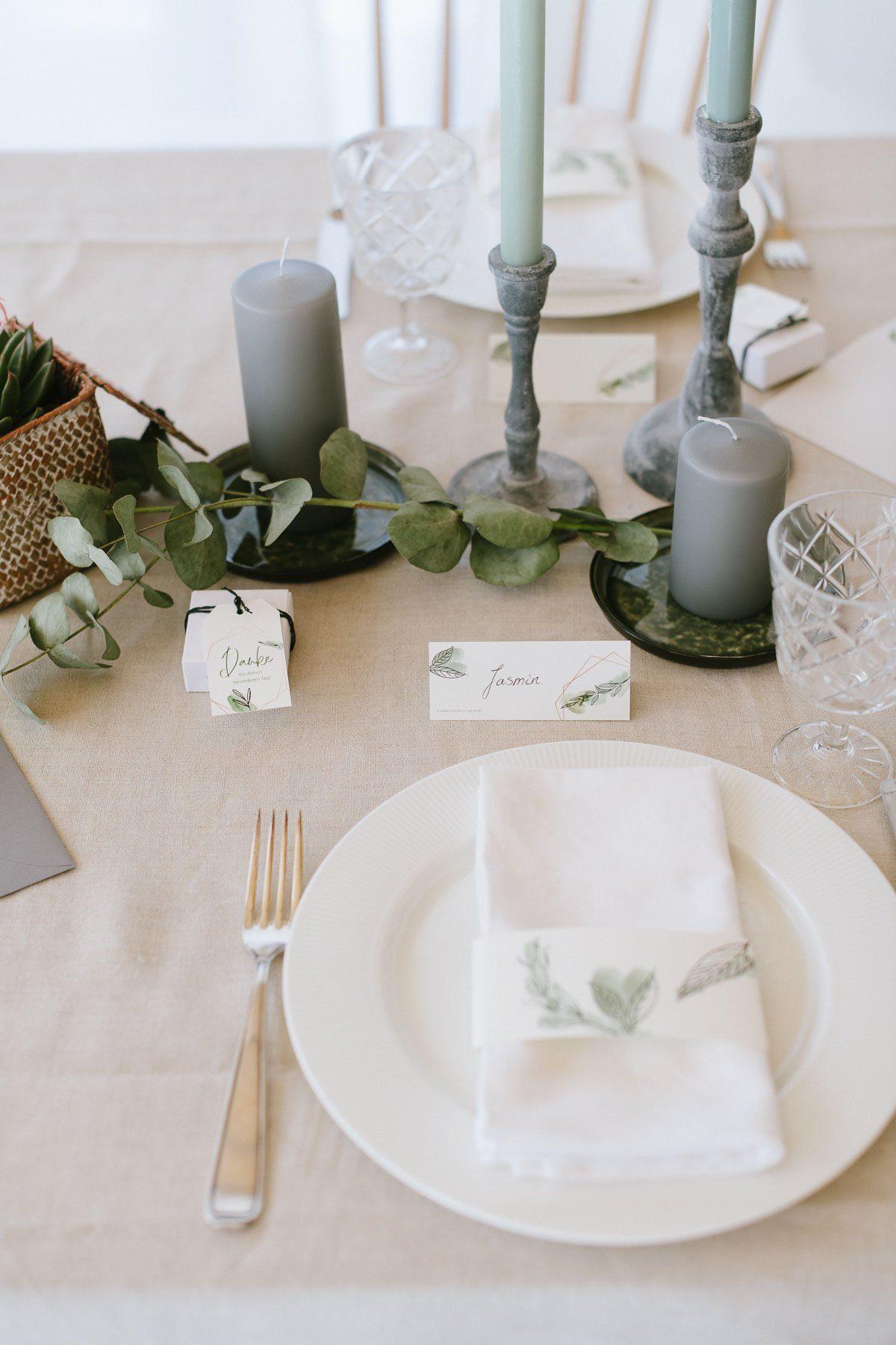 Tischdeko mit Servietten für eine Konfirmation