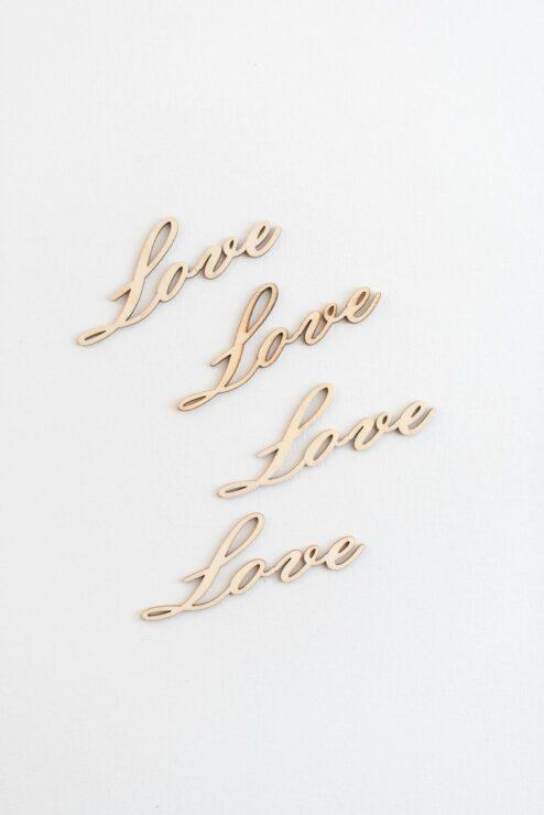 Konfetti Love aus Holz