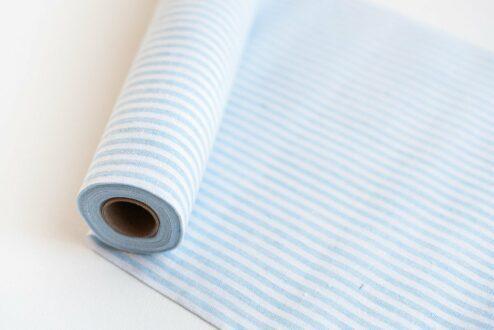 Tischlaeufer blau-weiß gestreift
