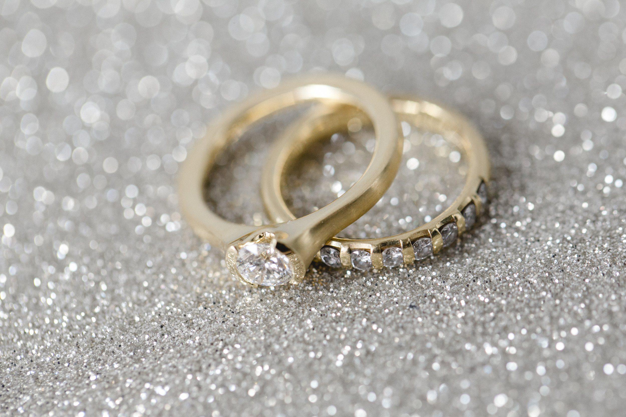 Funklende Ringe