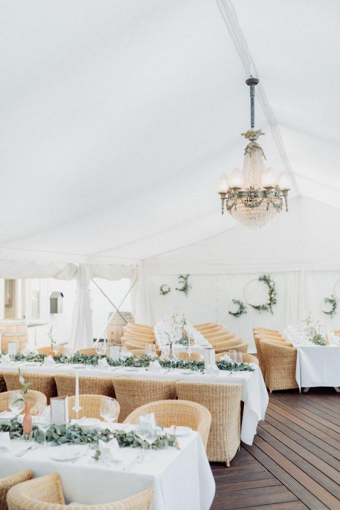 Hochzeit Landhaus am See Eukalyptus Kupfer Rosegold