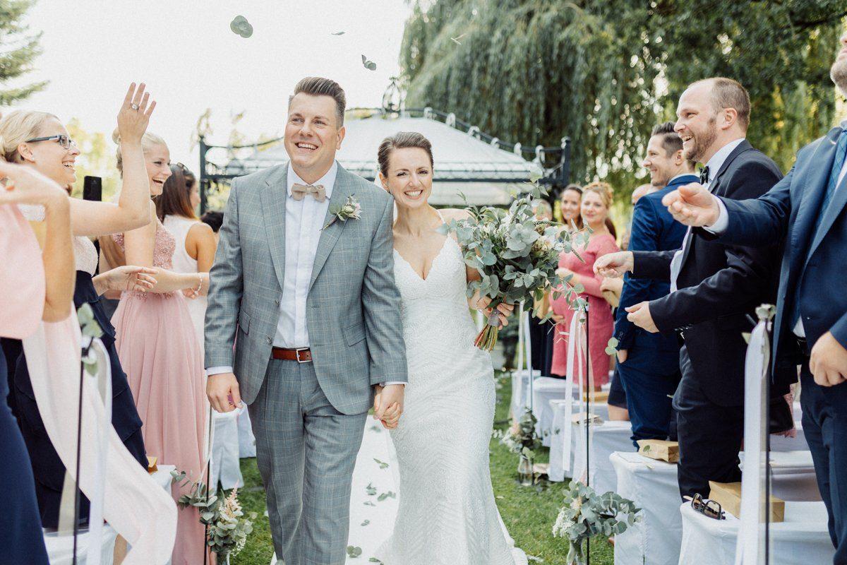 Just Married! Auszug nach freier Trauung
