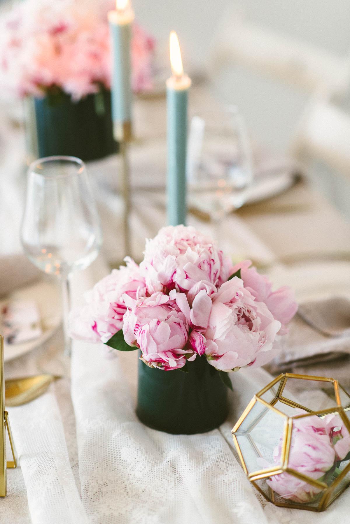 Pfingstrosen Tischdeko Hochzeit