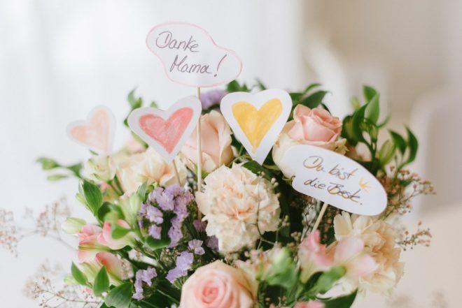 EInstecker für Blumenstrauß am Muttertag
