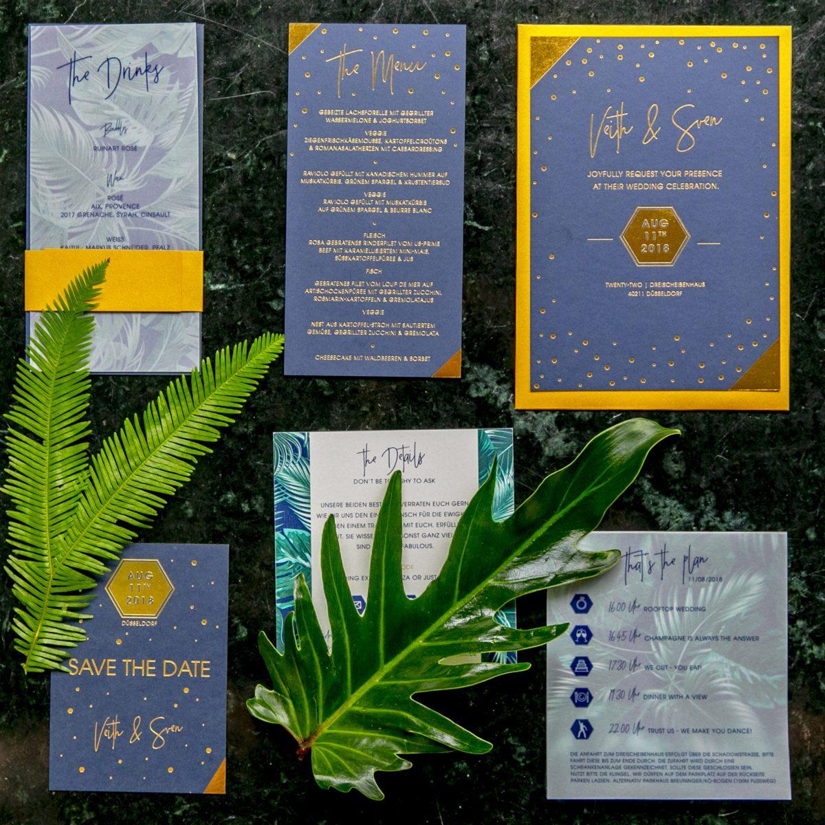 Papeterie Einladung in Dunkelblau und Gold