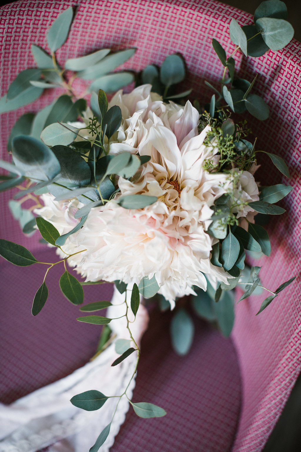 Brautstraus mit Dahlien
