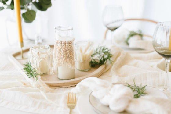 DIY Boho: Kerzen auf dem Tisch
