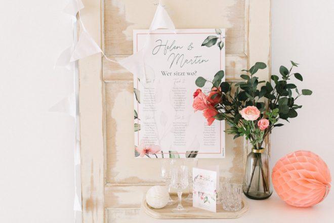 Romantische Hochzeitseinladung und Sitzplan