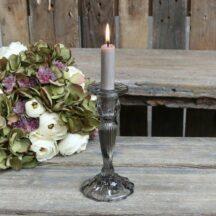 Kerzenstaender mit Rillen