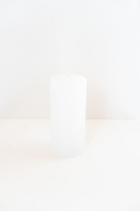 Rustikale Stumpenkerze weiß 15cm