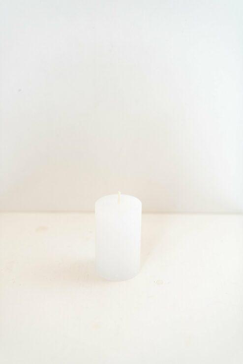 Rustikale Stumpenkerze weiß 8cm