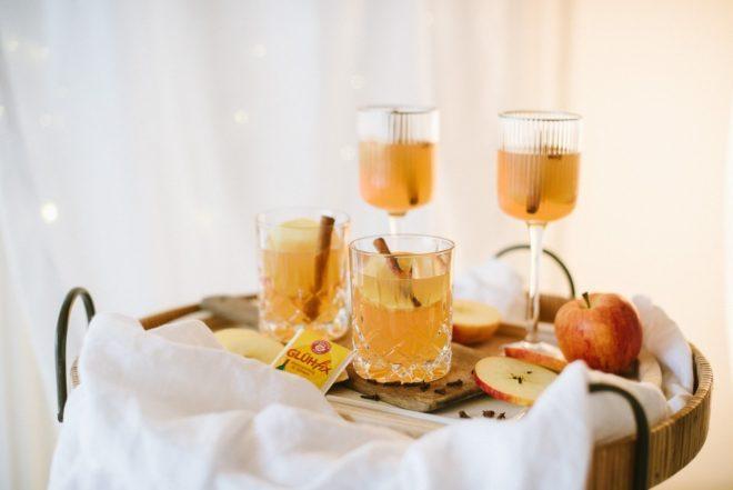 Rezept: Weihnachtlicher Marzipangugl und leckerer Apfelpunsch