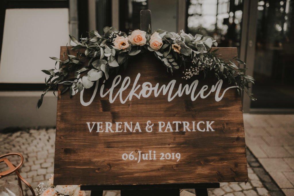 Was kostet eine Hochzeit? Brautstrauß und Floristik