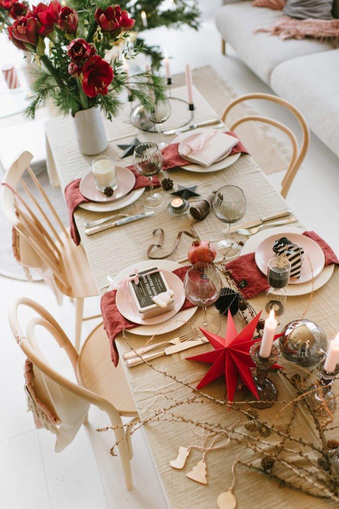 Weihnachten: Feiern im roten Skandi-Look