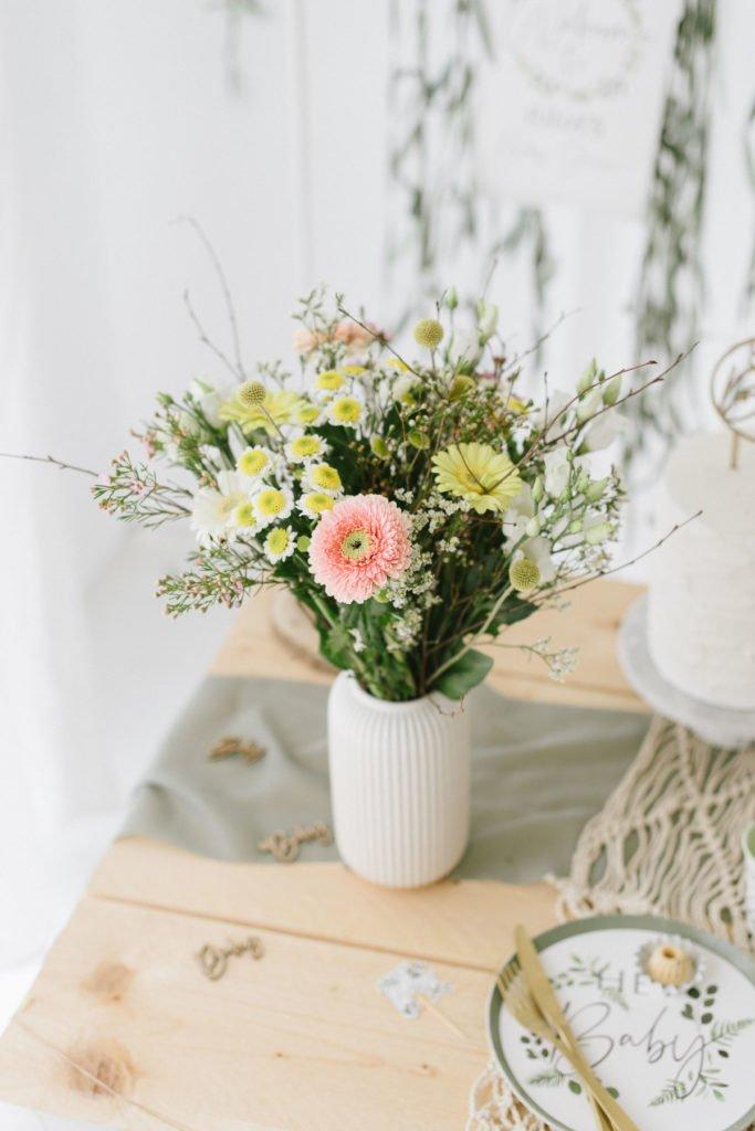 Blumenstrauß 'Delightful Spring'