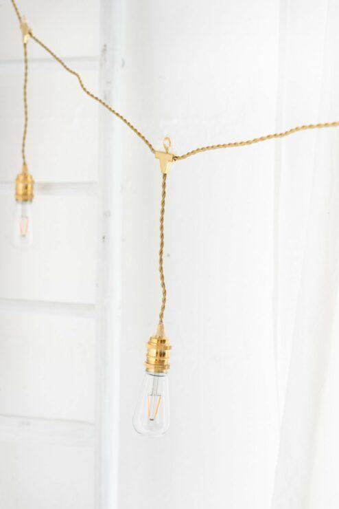 Design Lichterkette gold mit herunterhängenden LED Leuchten
