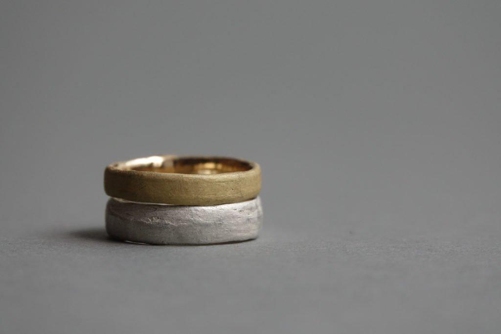 Was kostet eine Hochzeit? VII. Trauringe - Wir zeigen euch realistische Preise für euren Ehering und für eure Juweliere und Goldschmiede.