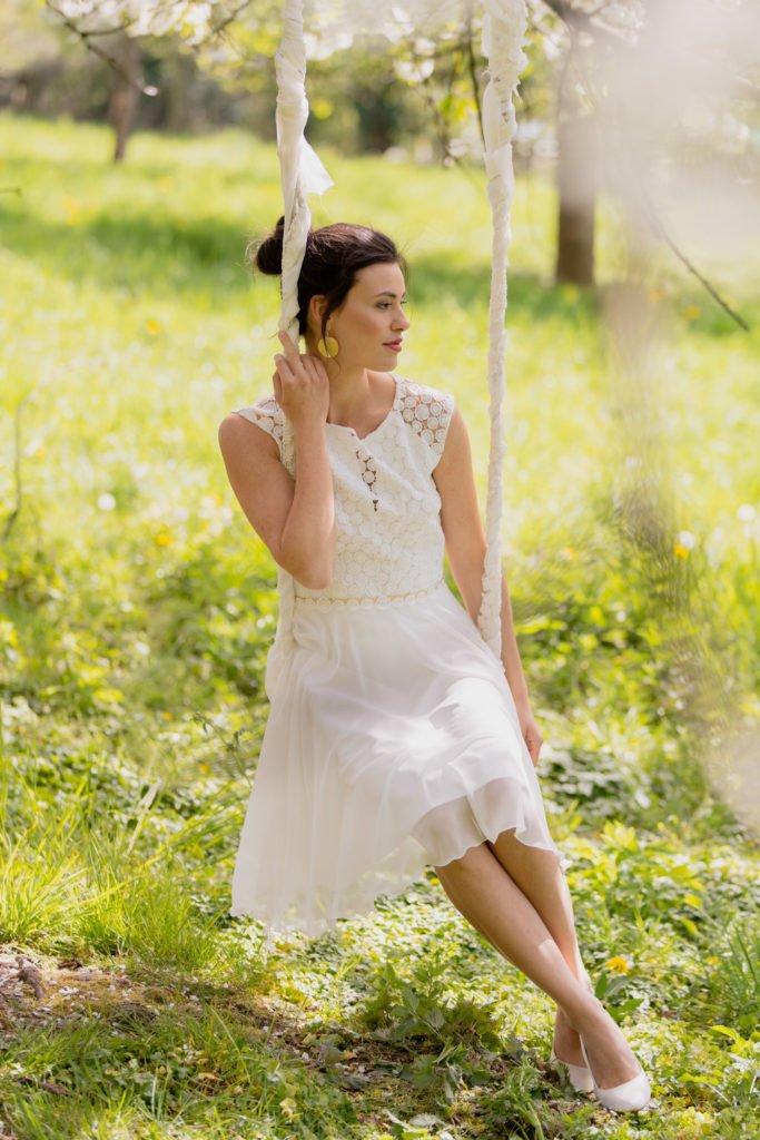 Neue Brautmoden-Kollektion Blütenmeer von Claudia Heller - traumhaft schöne kurze Brautkleider für Standesamt und Trauung - atemberaubende Hochzeitskleider #brautkleid #hochzeit #braut