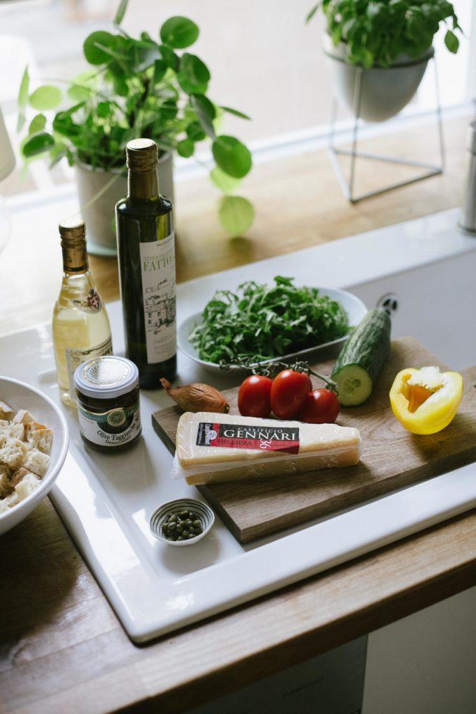 Panzanella - Rezept für den besten italienischen Brotsalat