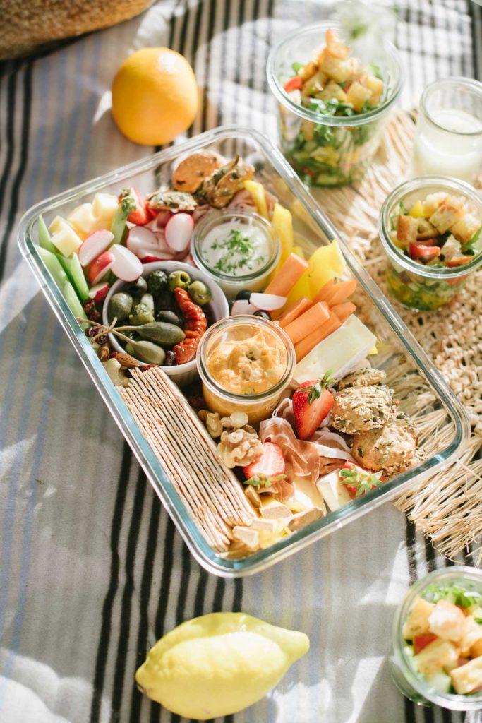 How to Snackplatte: So gelingt euch der Food Trend Grazing Platter! Schritt für Schritt - Anleitung: In 7 Schritten zur Snack Platte.
