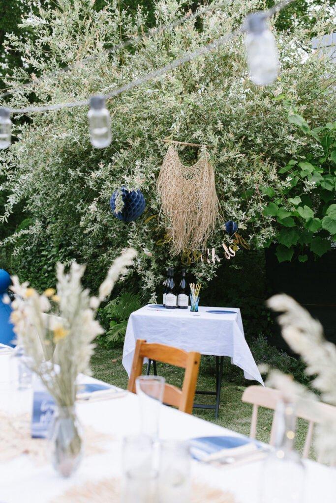 Poolparty im eigenen Garten dekorieren