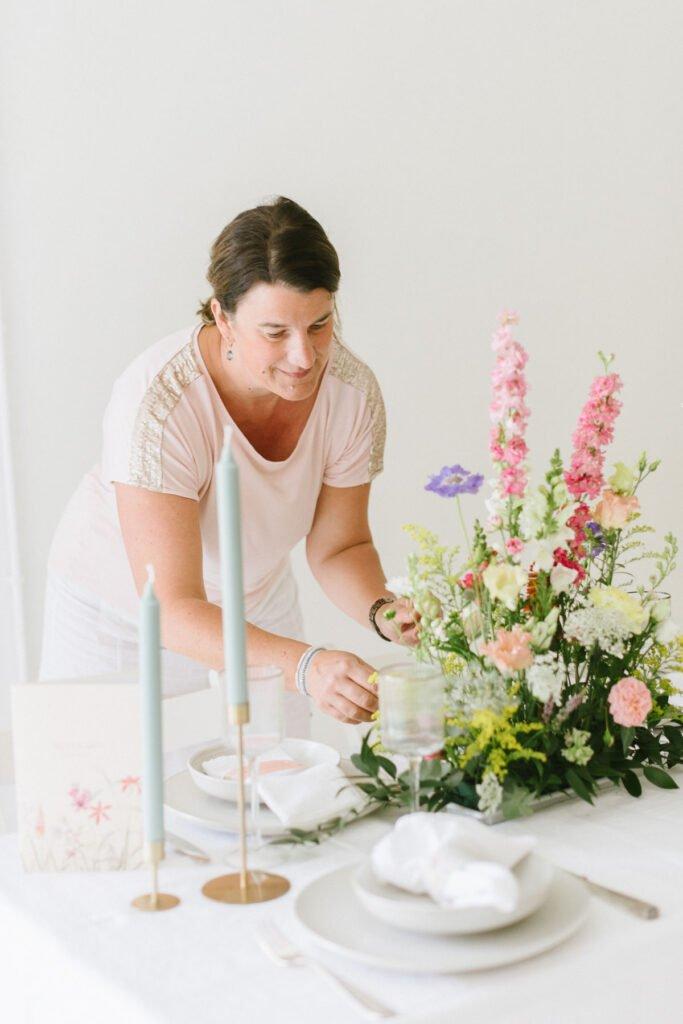 Hochzeitsdekoration mit Blumen