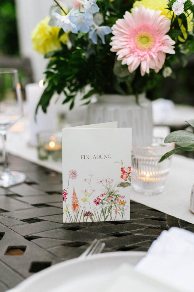 Einladungskarte: Elegante Gartenparty zum 40. Geburtstag
