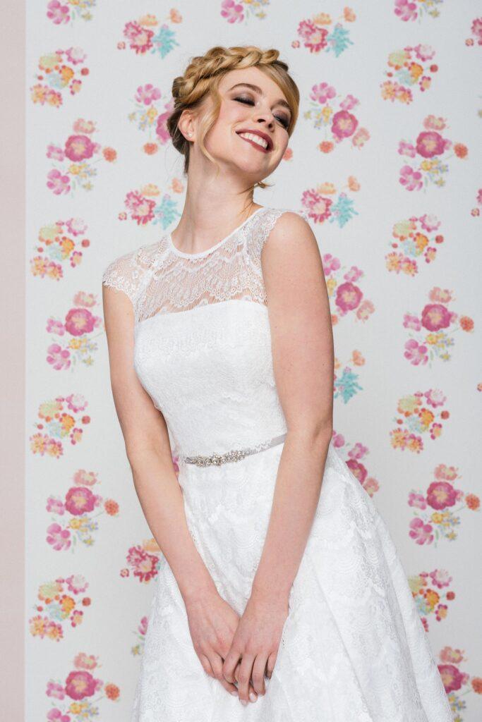 Neue Brautmode 2021: Küss die Braut Brautmode. Lange & kurze Brautkleider, Curvy  & Jumpsuits für die Braut - verspielt, romantisch und modern