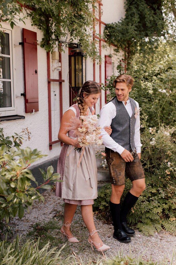 Modern Heiraten in Tracht