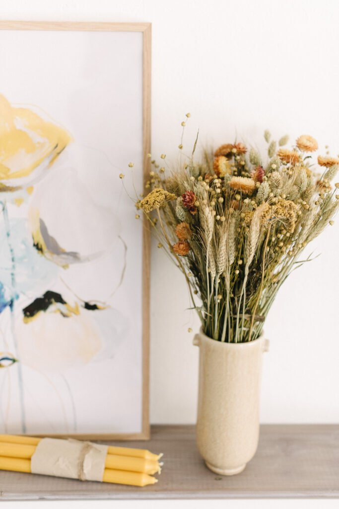 Trockenblumensträuße dekorieren