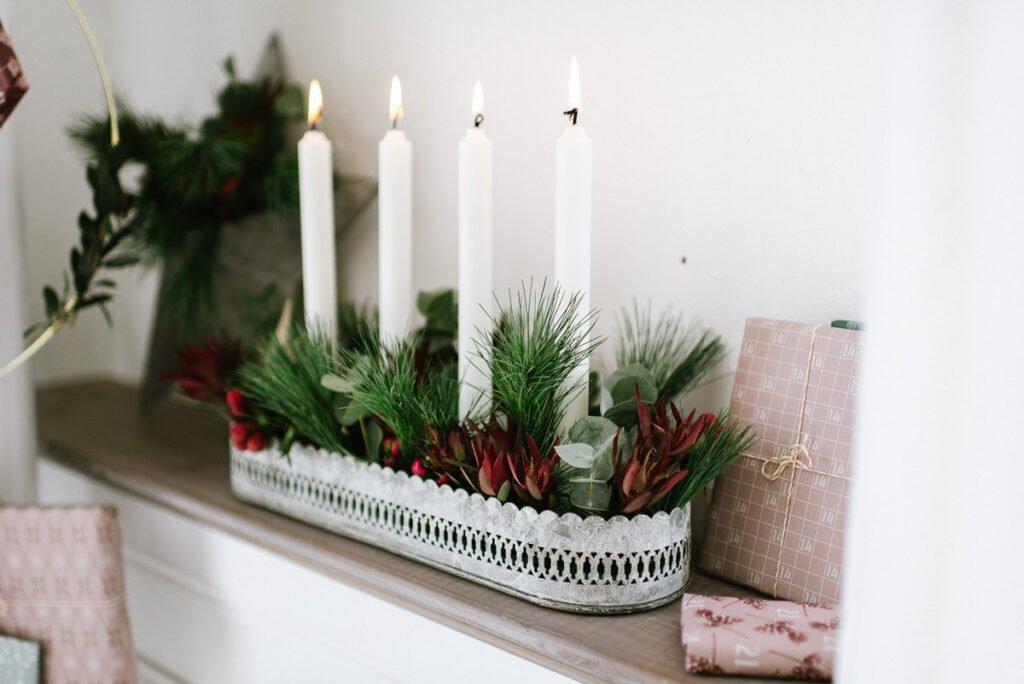 DIY Stern und Adventskranz mit Pflanzen für draußen dekorieren