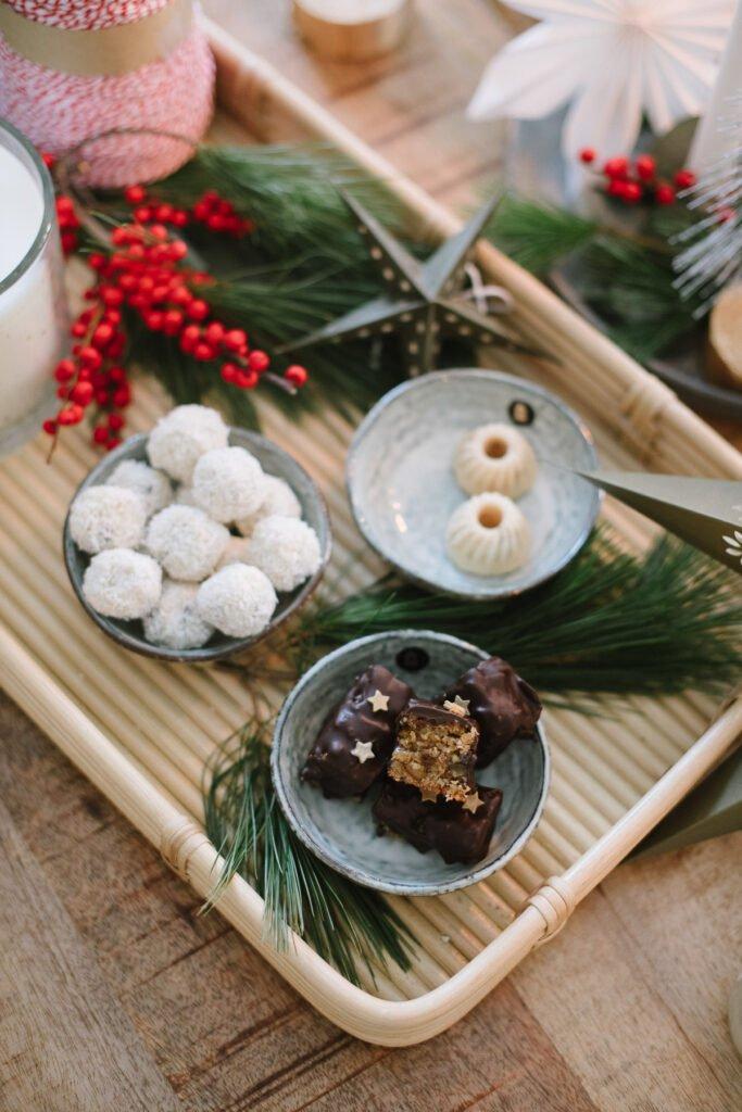 Weihnachtsgebäck: Aprikosen-Lebkuchen und Cranberry-Bällchen gehören zur Weihnachtszeit dazu. So einfach sind die weihnachtlichen Rezepte!