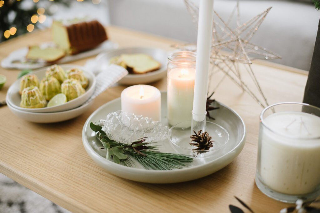 Raffinierter Weihnachtskuchen: Minigugl Rezept mit Avocado und Pistazien als weihnachtliches Dessert, für Adventskaffee und festliche Adventssonntage