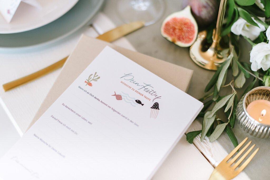 Statt Gästebuch: Karten, die die Gäste ausfüllen.