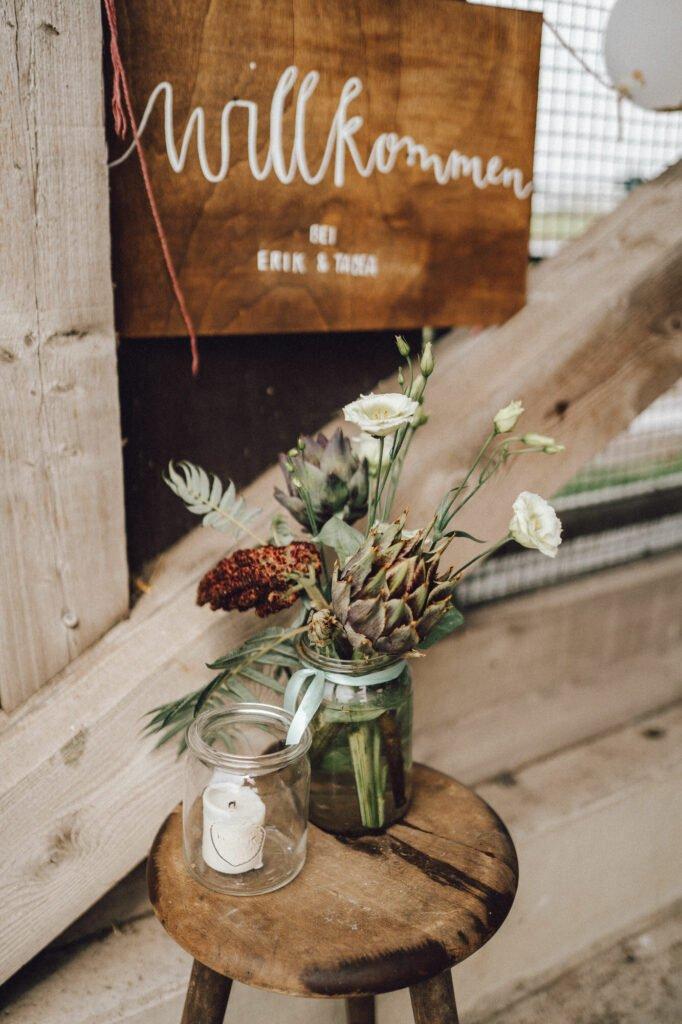 Hochzeit auf dem Bauernhof - Location, Deko, DIY-Ideen und Tipps für eure Trauung im Kuhstall. Romantisch Heiraten auf dem Land
