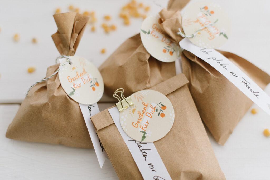 DIY Gastgeschenk: Popcorn Tütchen einfach befüllen und eure Gäste begeistern - Gastgeschenk für Hochzeit, Taufe, Geburtstagsfest uvm.