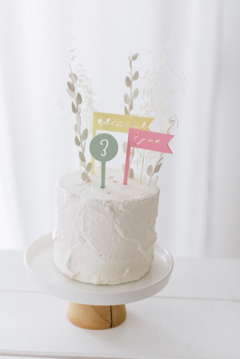 Cake Topper dreifarbig 'Geburtstagskind + Name + Zahl'