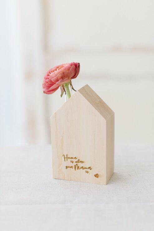 Geschenk Muttertag Holzhaus Gravur