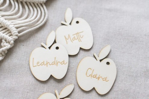 Namensanhaenger Apfel Holz