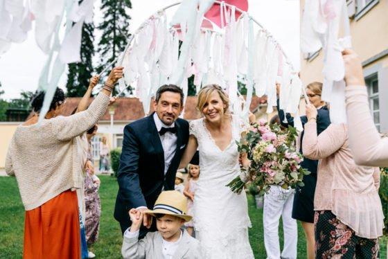 Romantisch liebevolle Hochzeit fotografiert von Julia Hofmann
