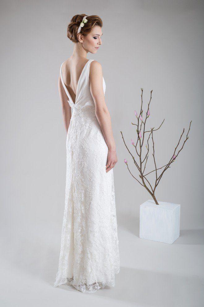 Schlichtes Brautkleid mit schöner Spitze