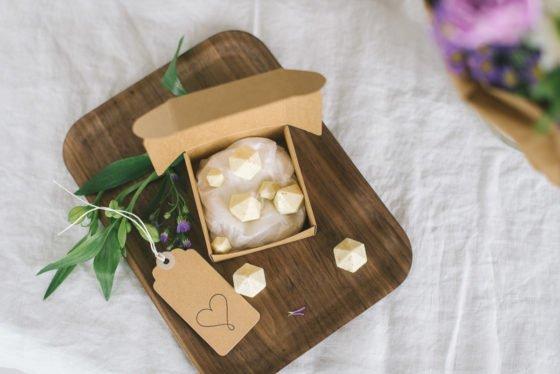 Blumen und Schokodiamanten für die beste Mama – DIY Muttertagsinspiration