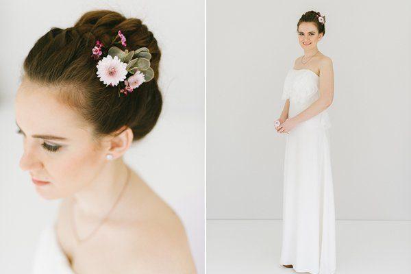 Brautfrisur geflochten mit Blumen