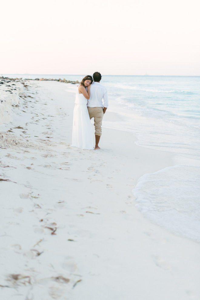 Shooting mit Braut und Bräutigam am Strand auf Aruba - Katja Heil Fotografie