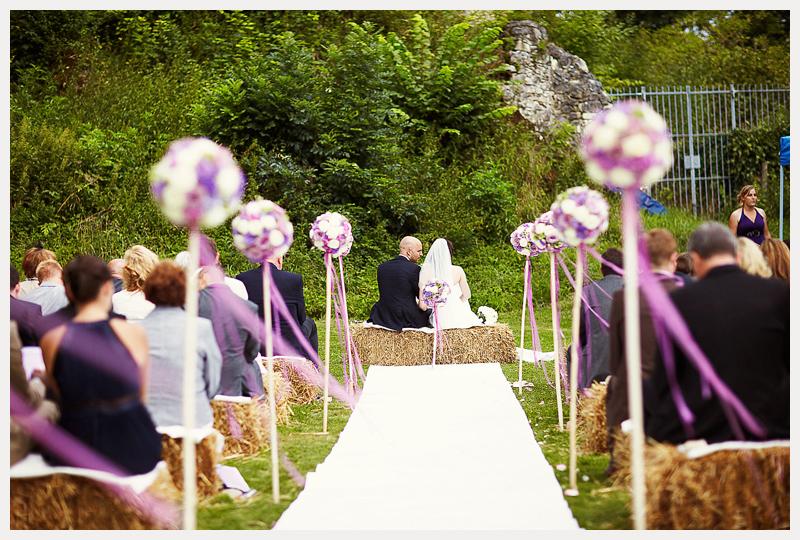 Der lila faden und eine trauung auf strohballen fr ulein for Standesamt dekoration hochzeit